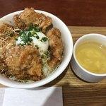 みつせ鶏本舗 - 料理写真:から揚げ丼810円