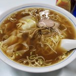 かいらく - 料理写真: 「わんたんめん」(700円)
