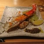 81121589 - たらば蟹の鉄板焼き タプナードソース添え
