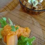 Cafe Fleur - ニンジンサラダと大豆肉のレモン煮