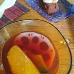 Cafe Fleur - ホットワインのスープ、わらび餅のティラミス風
