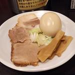紋次郎 - 1802_紋次郎 梅田第2ビル店_特製つけ麺(300g)@980円 特製トッピング
