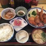 のざき - ミックスフライ定食(えび・いか・かき) ¥850-