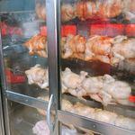 オッソ・ブラジル - お尻から串刺された鶏が焼かれてます…
