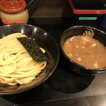 つけ麺 無心 - 豚骨つけ麺(並)麺300g(880円)