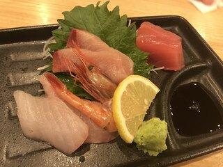 魚屋スタンドふじ - 刺身三種盛り