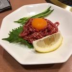 焼肉花炎 - 桜ユッケ
