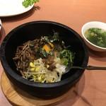 焼肉花炎 - 石焼きビビンバ(わかめスープ付き)