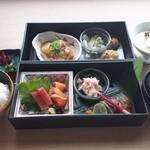 ≪夜限定≫「幕の内御膳」焼魚、刺身、煮物などの和食を味わう全8品