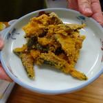 四ツ木製麺所 - かぼちゃ胡麻和え