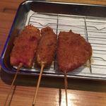 串かつ えいちゃん 宮崎 - 紅生姜、赤ウインナー、ハムカツ