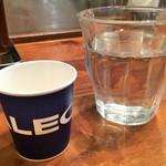 筋肉食堂 - プロテインとお水