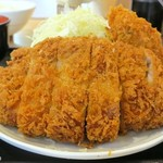 tonkatsuhamaya - 厚切りロースかつ、肉は180g以上ありそう