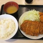 tonkatsuhamaya - 厚切りロースかつ定食1,000円とカキフライ180円2個