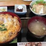 永福 - 「極上シャモ丼」1600円(税抜)