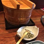 81140440 - 名物朧豆腐の電気釜