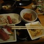 煮込みと惣菜 かん乃 - これで千円は安い!