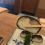いづう - いづう(京都府京都市東山区八坂新地清本町)鯖姿寿司 一人前