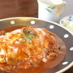 けやき - 料理写真:けやき特製オムライス 960円