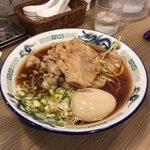 肉盛麺工房 ニク助 - 肉盛麺 味玉トッピング