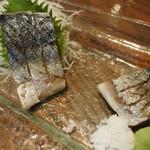 九州 熱中屋 - 炙りしめ鯖・薄切り(780円外税)
