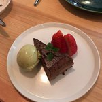AMUSE - ショコラとピスタチオのアイスクリーム