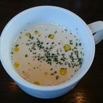 パッソアパッソ - 白いんげん豆とじゃがいものクリームスープ
