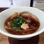 ジャパニーズスープヌードル 麺に恋いろ - 鰹出汁醤油ラーメン