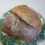 グッドモーニングベーカリー - リュスティック100円。  生地を分割したまま二次発酵させて焼き上げたモッチリ感の楽しめるパンです。