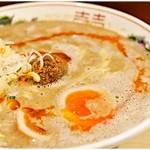 """博多拉担麺 まるたん - 半熟煮玉子らーたんめん 600円 野菜メインの""""植物系""""ながらもドロッドロに濃厚な一杯です。"""