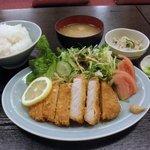 豊岡精肉焼肉店 - とんかつ定食 (2011.5)
