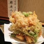 手打ちそば天ぷら 那央人 - えびす天ざる1500円のかき揚  二種類のえびとホタテ