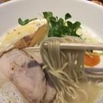 麺屋 龍 - 関東濃厚龍らーめん