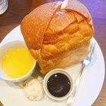 カフェ しょぱん 長良 - コーンスープにポテトサラダ・メイプルシロップ