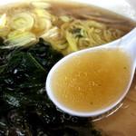 81177934 - 醤油ラーメンスープ