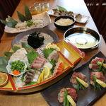 武蔵 - 天然真ふぐの刺身が入った刺身5点盛&国産霜降り牛ステーキ付き真鯛と三陸ワカメのしゃぶしゃぶ3500