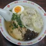 上海亭 - 上海ワンタン麺@600