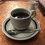 珈琲 タイムス - ブレンドコーヒー 550円。居心地いいけど煙モクモク。喫煙できるところが減ってここに集中している感。それって本当にいい街づくり?