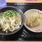 こがね製麺所 - 本日の朝うー かけうどん210円 とり天130円 合計340円