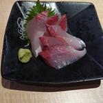 さくら水産 - イナダ刺身