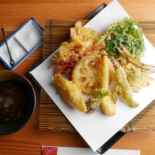 ◇旬菜・旬魚◇季節の食材は黄金色の天ぷらでどうぞ!