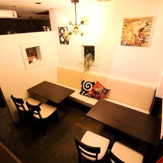 様々なシーンで使える個室を完備