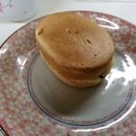 梅月 - 小判焼き110円