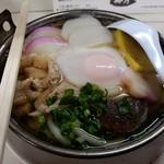 梅月 - 鍋焼きうどん500円