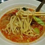 81201596 - 麺はストレートの中太麺!