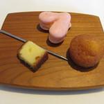 Cuisine Franco-japonaise Matsushima - チーズケーキ マドレーヌ ストロベリーマカロン