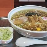 81205474 - 中華麺と追加ネギ