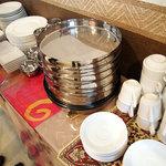 SWADISHT - バイキングコーナー★自分でこのインド食器を使えるのが結構嬉しい♪