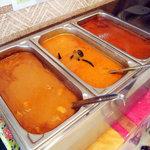 SWADISHT - 本日のカレーは「マトン」「豆」「チキン」の3種