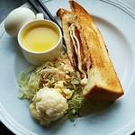 グリーンハウス - コロッケサンドセット(コロッケサンド、スープ、サラダ、ポテトサラダ、ゆで卵)